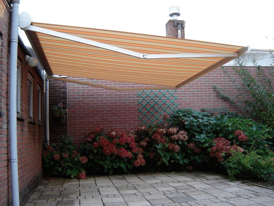 Terrasscherm en terrasschermen van Byzon Buitenzonwering in Nederland en Belgie
